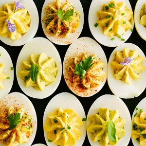 greek-yogurt-deviled-eggs-su-x