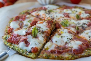 Zucchini-Crusted-Pizza-with-Easy-Homemade-Tomato-Sauce