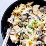 SLOW COOKER CHICKEN AND MUSHROOM STROGANOFF