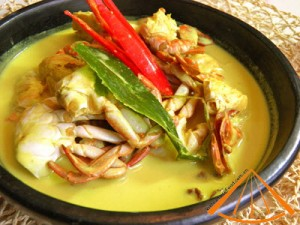 simmer_soft_shelled_crabs_with_coconut_fruit_4