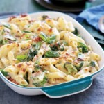 Creamy tuna and broccoli pasta bake
